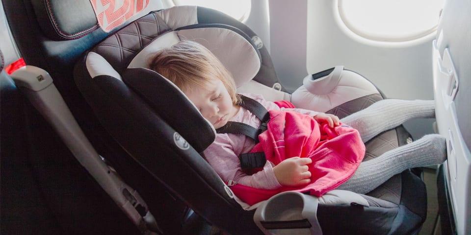Детское автокресло в самолет